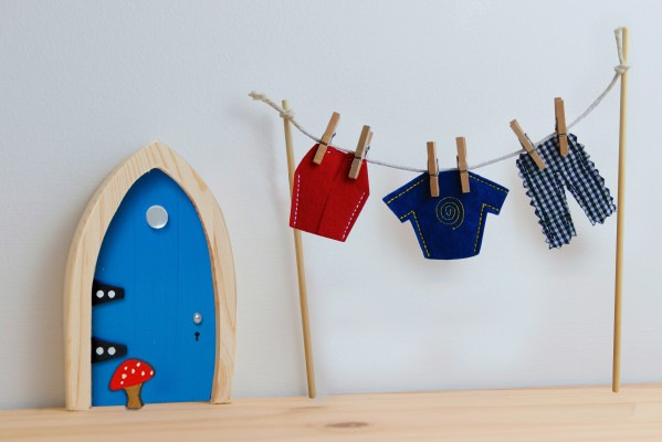 the Irish Fairy Door Company - Blue Arch Fairy Door clothes line