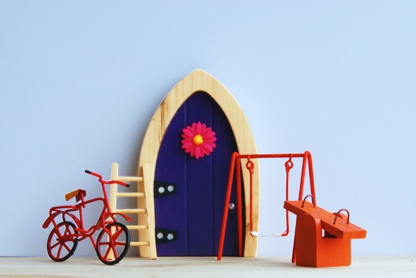 the Irish Fairy Door Company - Purple Arch Fairy Door Playtime set